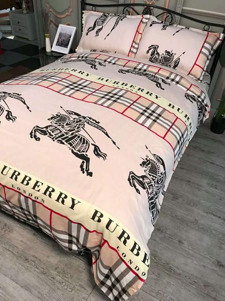 Fashion Home Bedding Set 4pcs Bbr Patrón clásico Doble Suave Cómodo Estilo europeo Family Sleeping Supplies Plaid Bedding Supplies 1.