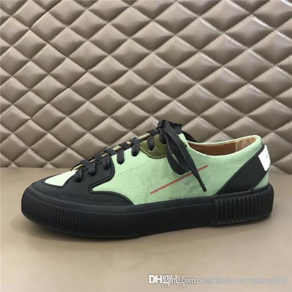 Le ultime scarpe sportive casual da uomo, scarpe da corsa piatte in gomma fiore bianco in pelle e scarpe da trekking, con scatole da 38-44