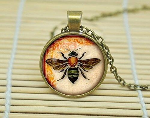 2019 New Glass Pendant Necklace Vintage Style Fashion Bee Pendant, Vintage Bee Necklace, Vintage Bee Jewelry, Nature Necklace, Glass Cabocho