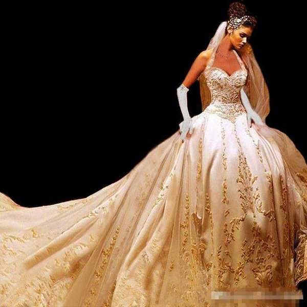 Gorgeous Gold Embroidered Wedding Dresses Cathedral Train Halter Sweetheart Corset Back Gothic Bridal Gown abiti da sposa robes de mariée