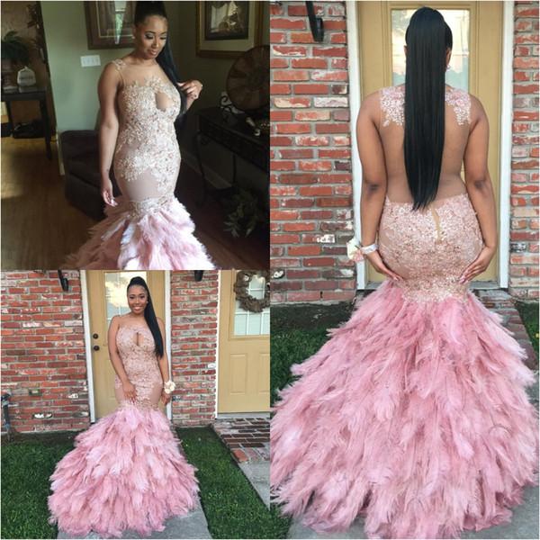 Africano Piume Ostriche Prom Dresses Sirena Rosa Sheer Neck Appliques Pizzo Abiti da sera eleganti Formali Plus Size trasparente Indietro