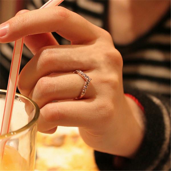 MILOYOU 2019 Neue Modeschmuck Ringe für Frauen Vförmige Einzigartige Design Nachahmung Kristall Weibliche Party Hochzeit Ringe ML200