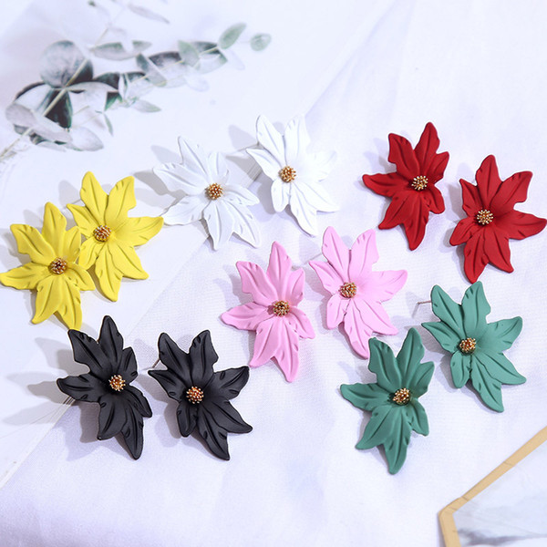 New European and American leaves geometric spray paint metal earrings female cute net red lady ear nails