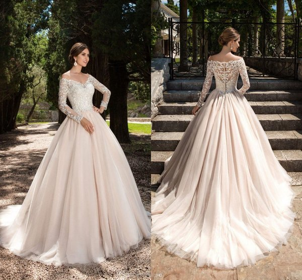 A-line Ivory Wedding Dresses V-neck Lace Appliques Long Sleeves Garden Elegant Button With Bridal Gowns See Through Back