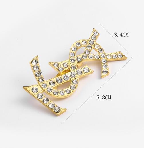 2019 Moda unisex Europa e America Designer di lusso Spille Spille Placcato oro Lust Spille Pins per Uomo Donna per Festa 6131