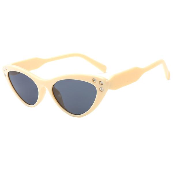 New Triangle Kitten Eyes Sonnenbrille Sexy Frauen Ocean Film Objektiv Cateye Rahmen Schwarz Rotlicht Sonnenbrille Diamant Kristall Rahmen Sonnenbrille 22