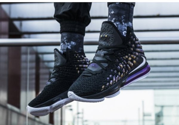 top popular 2019 LeBron mens 17 basketball shoes Oreo Black White Laker Purple Gold Yellow new james xvii basketball shoes size 7~ 12 2020
