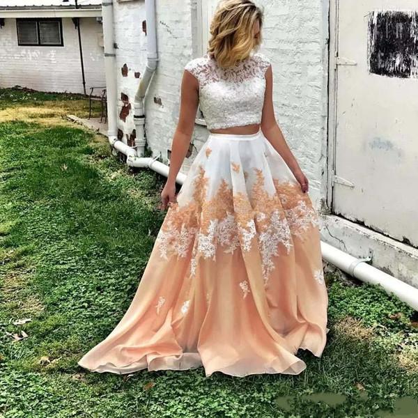2020 Elegante Due Pezzi Pizzo Prom Dresses Bateau scollatura in rilievo Backless vestito convenzionale Una linea lunghezza del pavimento degli abiti di organza appliquéd sera