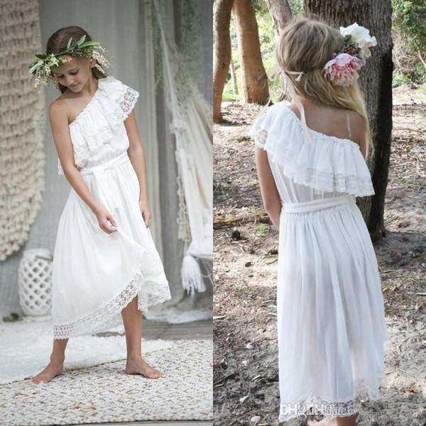 Vestidos de niña de las flores baratos de Bohemian 2020 Vestido de desfile de niña de encaje de un hombro Vestido de fiesta de cumpleaños de chifón Boho Sweet Little Kids