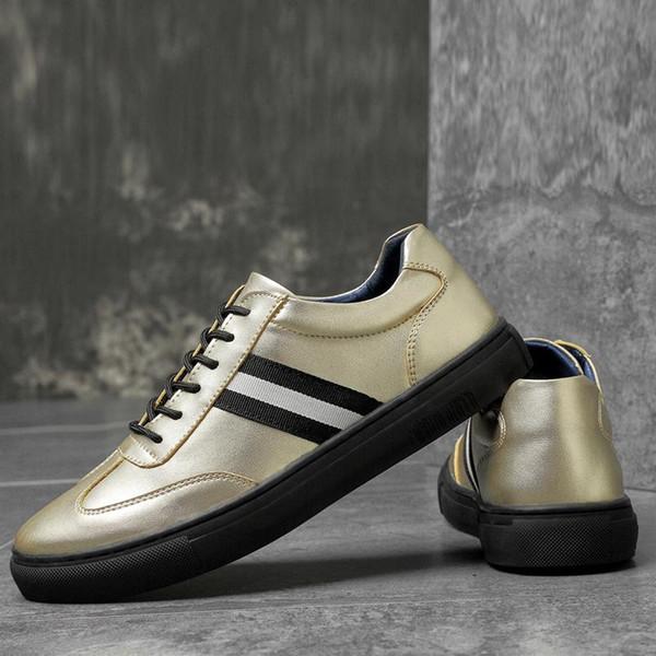 Printemps Automne Nouveau cuir Men'Ss Chaussures Casual, confortable et respirant Wearable légère tendance sauvage Chaussures Casual Sport Boy