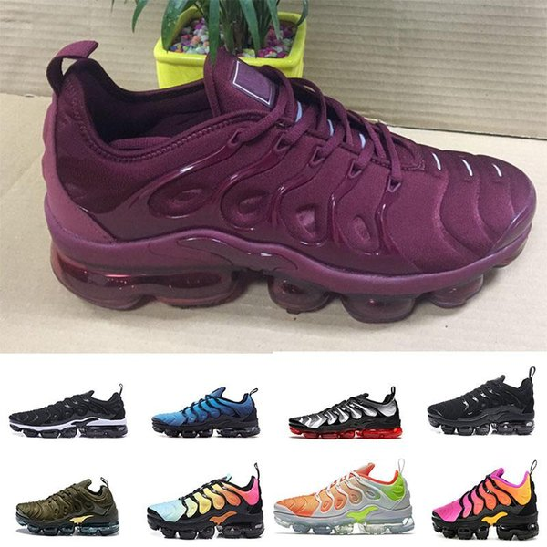 2018 Men Running Shoes TN Plus Olive In Metallic White Silver Colorways Pack Triple Black Mens Shoes free shipping Outdoor Shoes