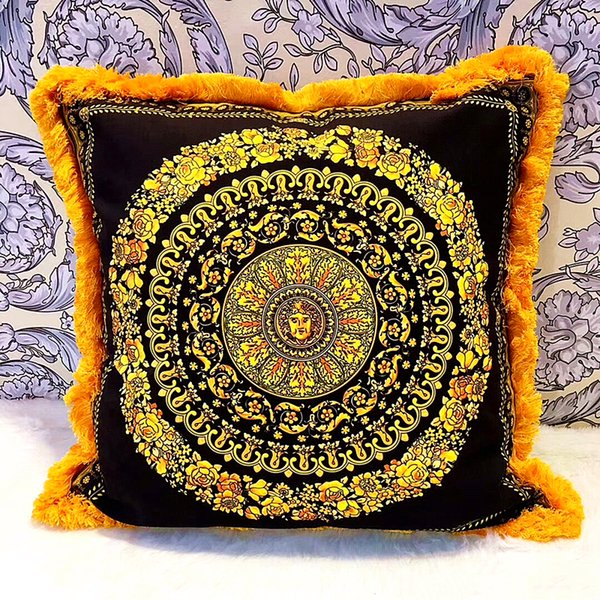 50cm Royal Designer LE VASE Medusa Barocco Print Fall Throw Pillows Covers Velvet ThickenTassel Cushions Case Creative Home Hotel Cojines