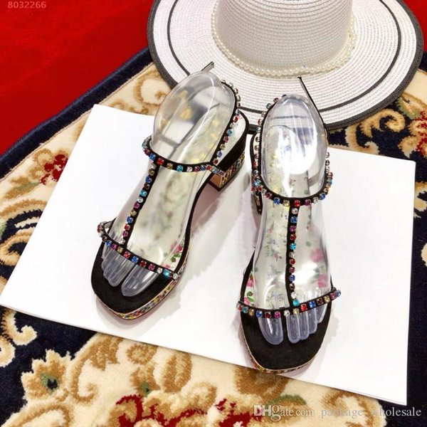 Mode neue Frauen Sandalen farbigen Diamanten wasserdichte Taiwan Sommer Sandalen klassischen Stil
