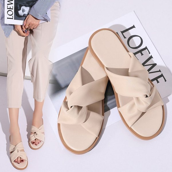 Sandals Female Summer 2019 Korean Edition Fashion Simple Personality Cross-dressing Outdoor Red Butterfly Knot Outdoor Flat-soled Slippers