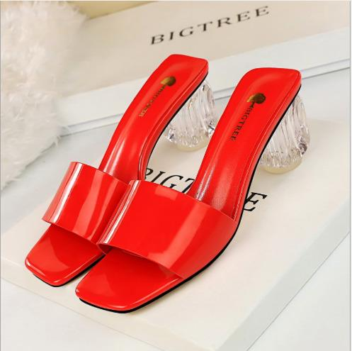 Korean version of the simple and simple summer sandals everyday ladies transparent with thick with high heels square head patent leather wit