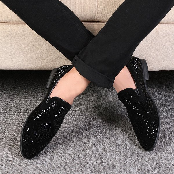 Lujo Rhinestone hombres mocasines hechos a mano de cuero en punta del dedo del pie zapatos de boda Moda Casual zapatos de vestir de los hombres