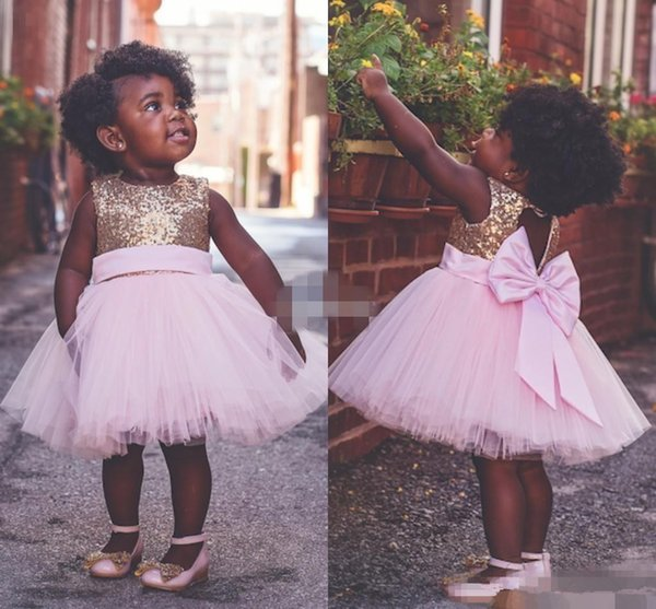 Compre Baby Infant Toddler Fiesta De Cumpleaños Vestido De Gala Vestido De Tul Rosado Arco Grande Volver Abierto 2019 Barato Playa De Playa Vestidos