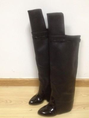 Embossed leather long boots