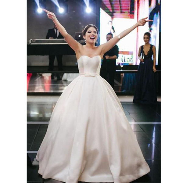 Simple Ivory Satin Ball Gown Wedding Dresses Sweetheart Bow Tie Belt Chapel Bridal Dress Plus Size Country Wedding Gowns