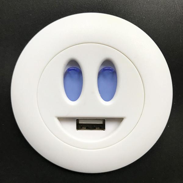 Parte de los muebles de la casa Casa blanca Cara de dibujos animados Cargador de teléfono inteligente Insertar en el sofá Puerto USB único Enchufe de carga Boca Protección de agua