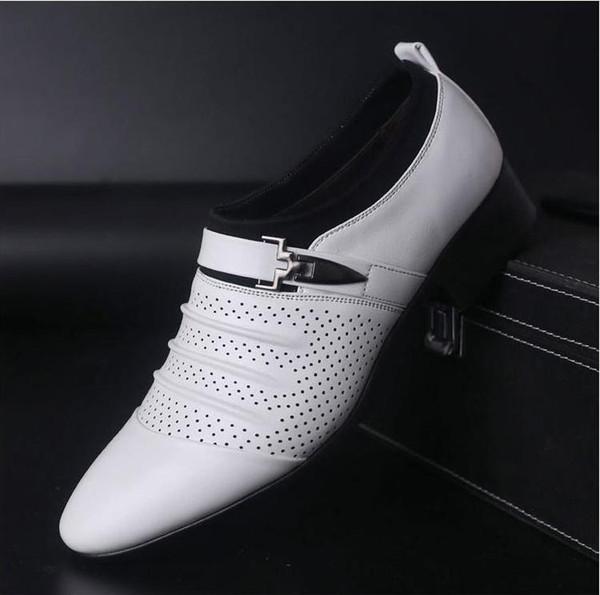 2019 été noir marron blanc hommes chaussures en cuir hommes bout pointu chaussures habillées haute qualité formelle slip sur creux sur sandales homme