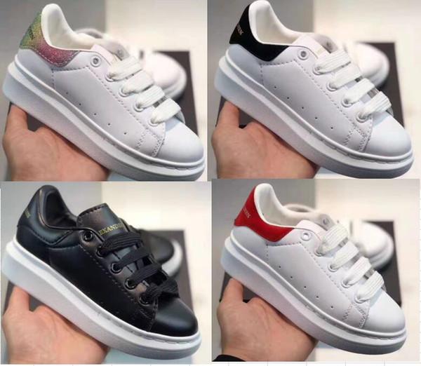 Scarpe per bambini Moda ragazzi ragazze Sneaker Appartamenti Piattaforma Mocassini Scarpe da ginnastica in tela Designer Chaussures di lusso enfants Sneaker casual in pelle per ragazze