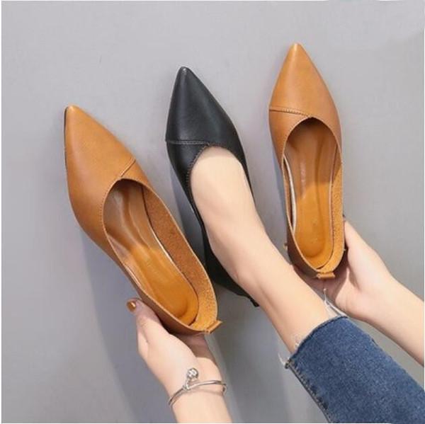 2019 Bahar siyah yumuşak deri ayakkabı kadın büyük boyutları 40 bale daireler sivri burun sığ ağız kayma-bayanlar mokasen