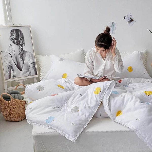 Fashion lace winter comforter Cotton Quilted thicken bedding comforter printed spring autumn quilts twin king size duvet