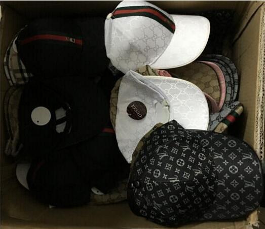 2019 New High Quality brand mens designer hats adjustable baseball caps luxury lady fashion hat summer trucker casquette women leisure cap