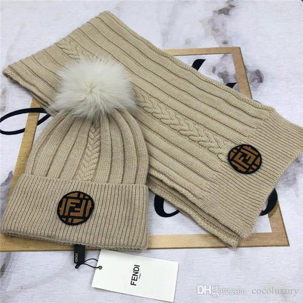 2019 winter Top quality Luxury Designers MEN Womens knitting Hats Scarves Sets casquette beanie hats bonnet de cappelli firmati caps F02