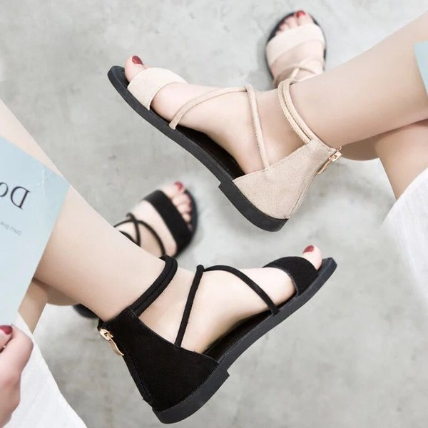 Net red Roman sandals female 2019 summer new flat straps wild students Korean casual fashion beach shoes