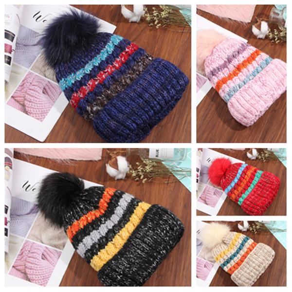 Orejeras de moda Sombrero doble de invierno Gorro de lana caliente Gorra de punto de rayas arcoiris Sombreros de diseñador para hombre Gorra de esquí al aire libreT2C5093