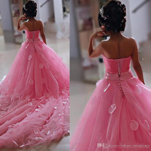 2019 Lovely Pink Little Flower Girls Dresses Lace 3D Hand Made Flowers Sleeveless Chapel Train with Big Bow First Communion Pageant Dresses