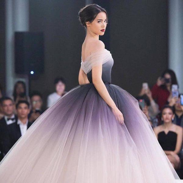 Off the Shoulder Ombre Prom Dresses 2019 Unique Ball Gown Long Formal Evening Dress vestidos de fiesta largos elegantes de