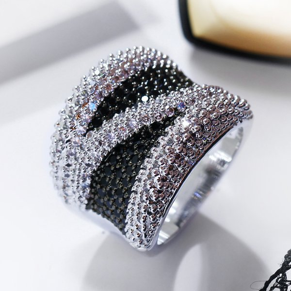 New Wide Black and White Cubic Zirconia Finger Ring Trendy Wholesale Jewelry Gorgeous Copper metal Fashion Large Rings