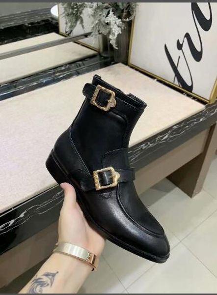 Venda quente - Botas de couro de grãos completos para as mulheres Designers de moda Senhora Moto Botas Sapatos de tornozelo