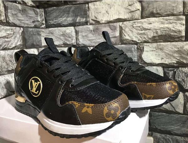 YENI Tasarımcı Erkek Kadın casual sneakers Loafer'lar Lüks Mesh Low Cut spor ayakkabı Moda koşu ayakkabıları Eğitmenler Unisex flats yürüyüş ayakkabı