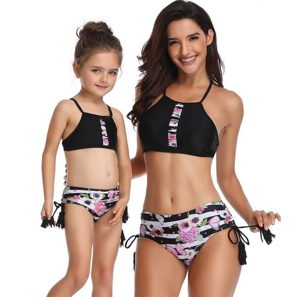 Tassel Floral Mother Daughter Costume da bagno Family Matching Outfit Mom Baby Girl Clothes Look Sisters Mamma e me Costume da bagno a righe