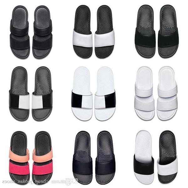 Pas cher 2019 Hommes Femmes Designer Benassi Ultra Pantoufles Noir Blanc Rose Pour Summer Beach Hôtel Douche Intérieur Non-slip Femmes Sandales