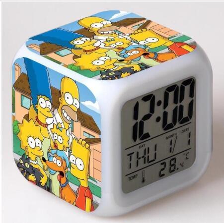 Action-Figuren LED 7 Farben ändern Touch Light Alarm Desk Watch Jungen Mädchen Spielzeug # 3784