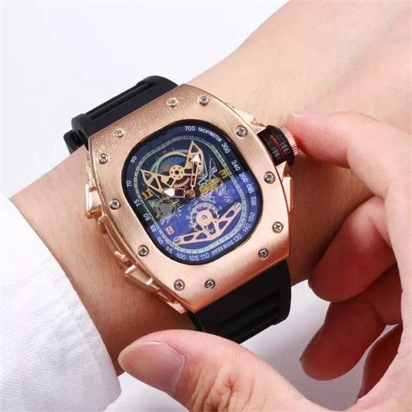 INVICTAS Hot Sale Calendar Quartz Men's Watch Deluxe Army User Outer Silicone Square Sport Watch Free Shipping