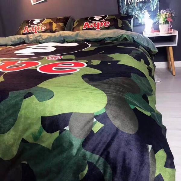 Brand Design Medusa 4pcs Bedding sets Casual Crystal velvet Duvet Cover Set WInter Warm Sheets+quilt+Pillowcase Queen King Size Bedding Set