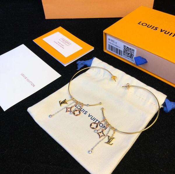 2019 Hot Sale Designer Earrings V Style earring Designer Stud Earrings Round Ear Stud Earring luxury designer jewelry women earrings MF90