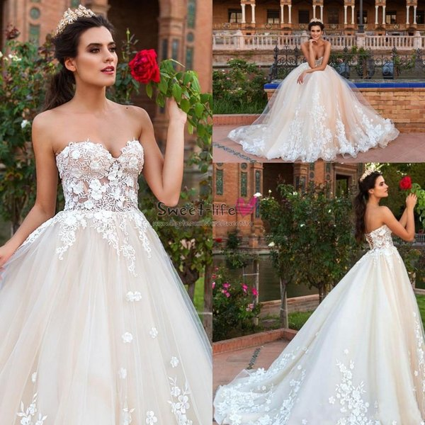 2019 Sexy Strapless Wedding Party Dresses Elegant Lace Appliques Bride Dress Corset Back Sweetheart Tulle A Line Long Bridal Ball Gown