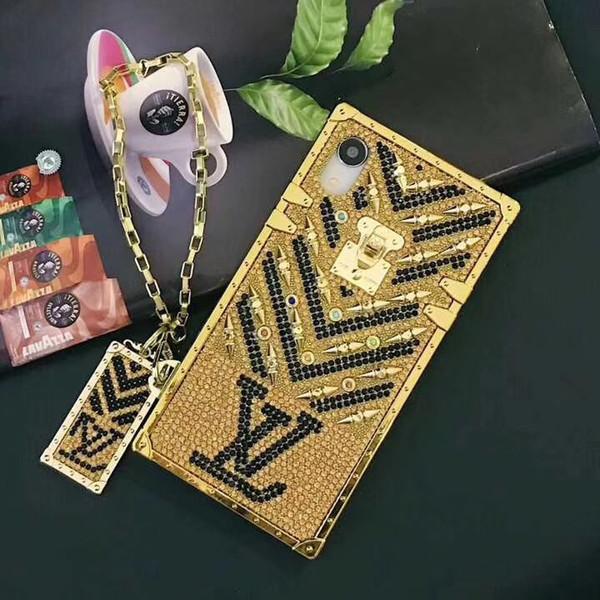 1 UNIDS Para el caso del iPhone XS Max caso clásico de lujo del teléfono móvil con el logotipo de la cadena de oro para iphone 6/7/8 / X cubierta