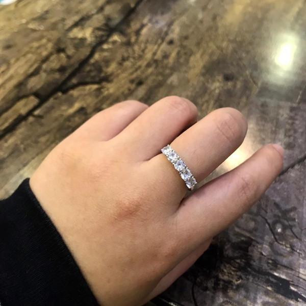 Encantador anillos de boda diseñados diamantes de Elements Bunny Holding Ball S925 plata elegante elegante regalos de Navidad
