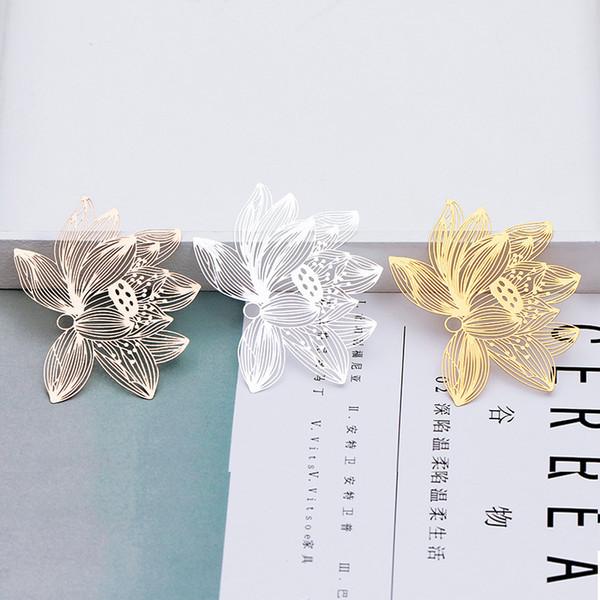 5pcs 51 * 70mm DIY Silber Gold Kupfer-Metall-Lotus filigraner Blumencharme Anhänger Messing Lesezeichen chinesisches klassisches kreatives Geschenk