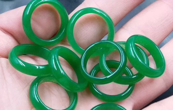 NEW model real stone emerald green jade hand engraving Rings Wholesale and retail free shipping best ring