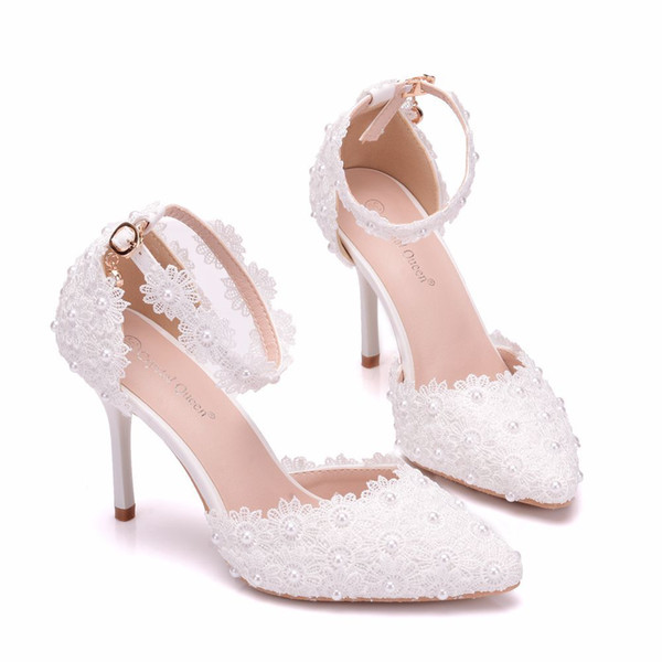 Luxury Designer Pointed Toe Bridal Wedding Shoes High Heels 9cm White Lace Pearl Ankle Straps White Evening Prom Party Women Pumps F52101