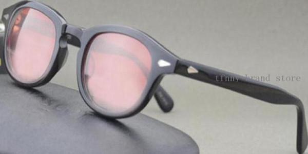 Siyah çerçeve kırmızı lens